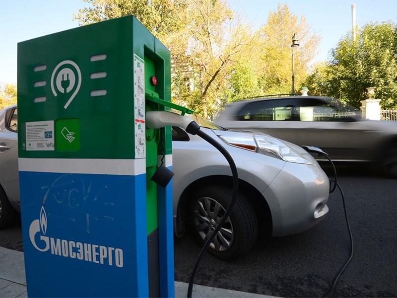 «Россети» рассказали о будущем удобстве подзарядки электромобилей на трассе