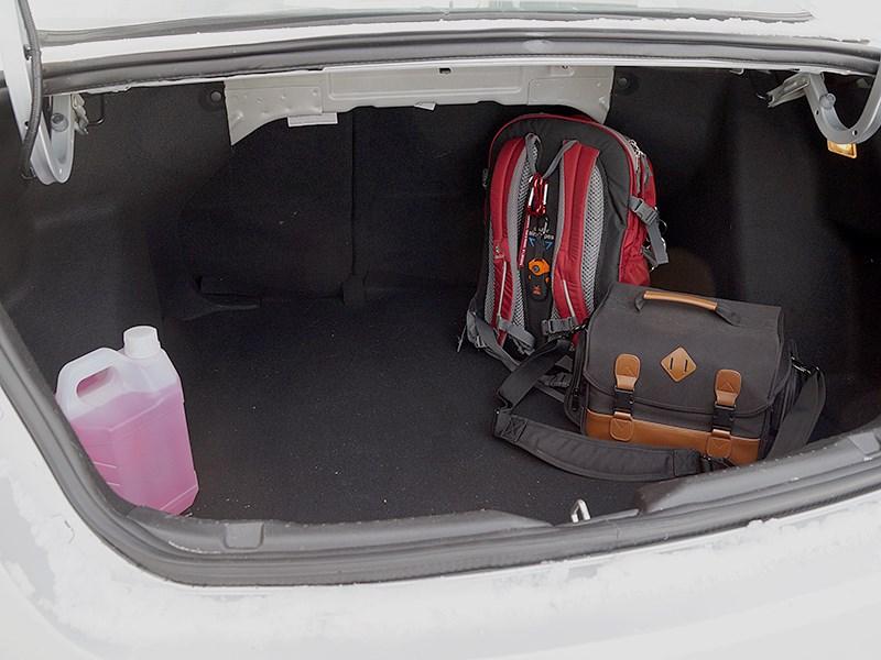Brilliance H530 2014 багажное отделение