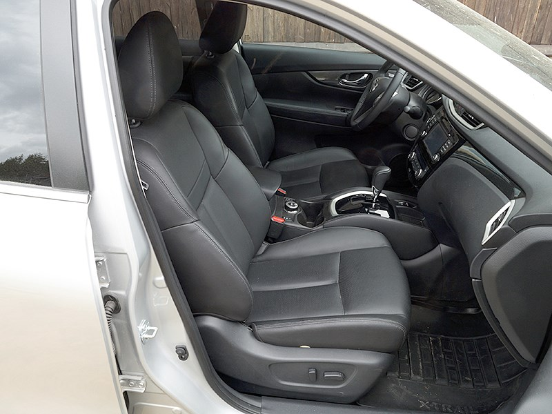 Nissan X-Trail 2014 передние кресла