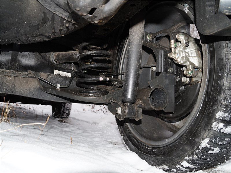 Nissan Juke 2015 аммортизатор