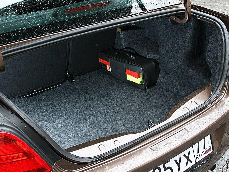Peugeot 301 2013 багажное отделение
