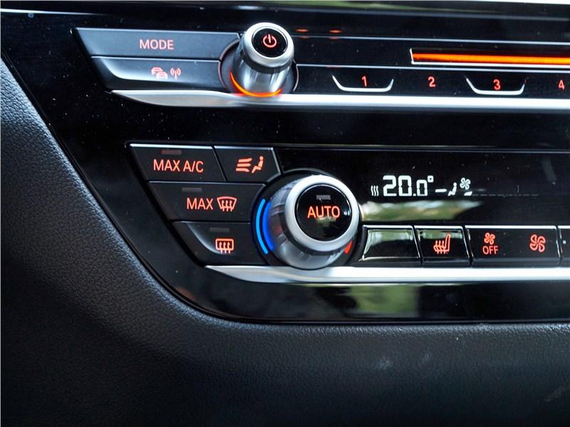 BMW 520d 2017 центральная консоль