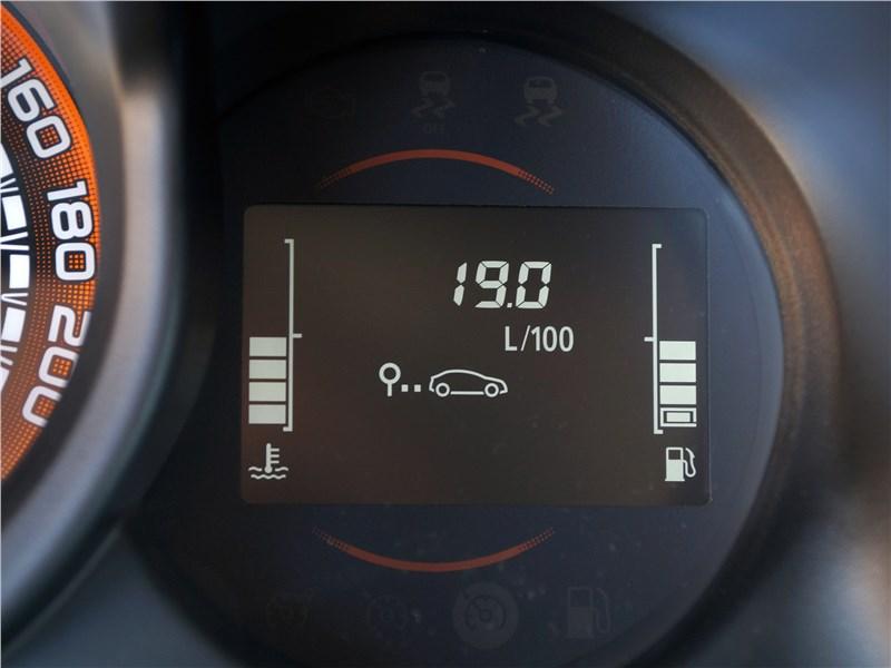 Lada Xray Cross 2019 приборная панель