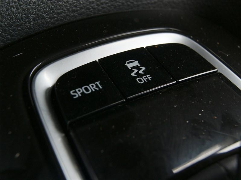 Toyota Corolla 2019 включерие режима SPORT