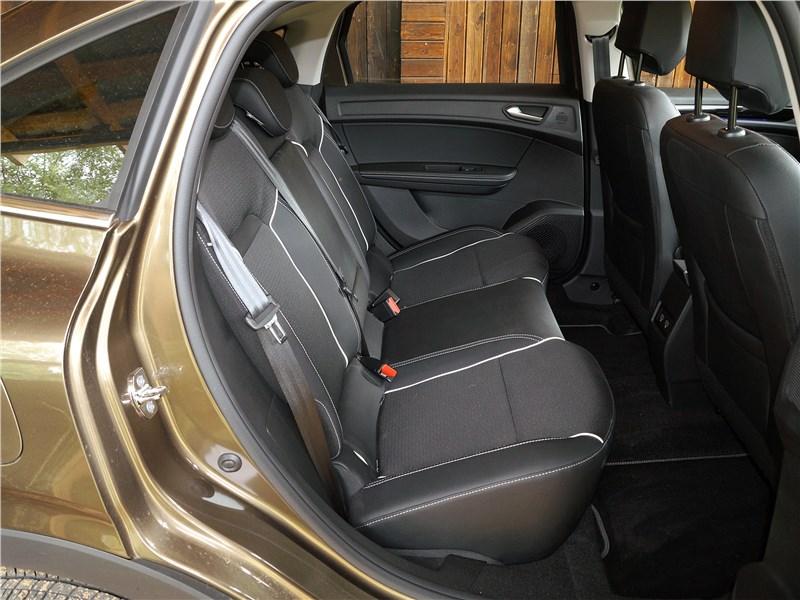 Renault Arkana 2020 задний диван