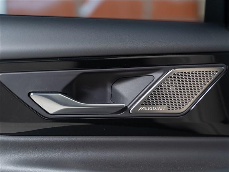 Jaguar XE P250 2020 дверь
