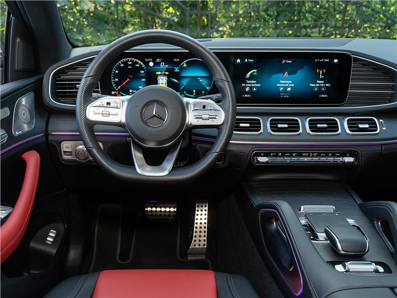 Mercedes-Benz GLE Coupe 2020 салон