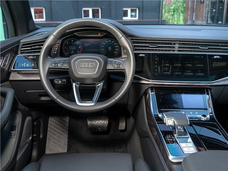 Audi Q7 2020 салон