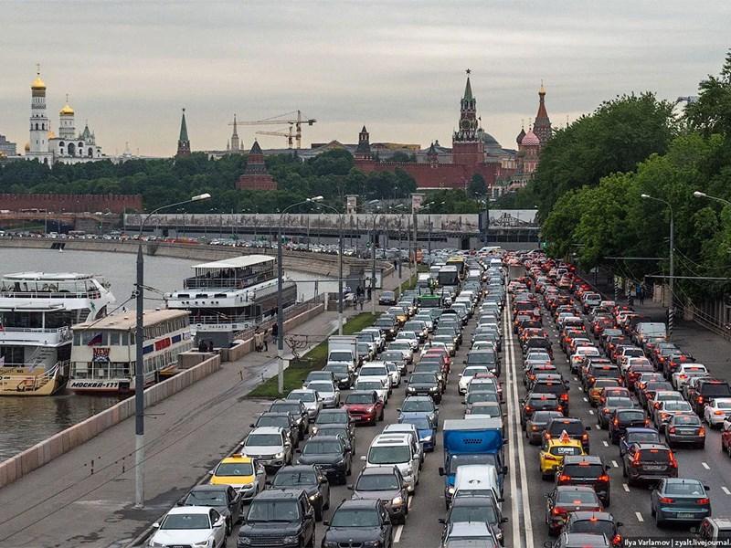 Москва – мировой рекордсмен по пробкам