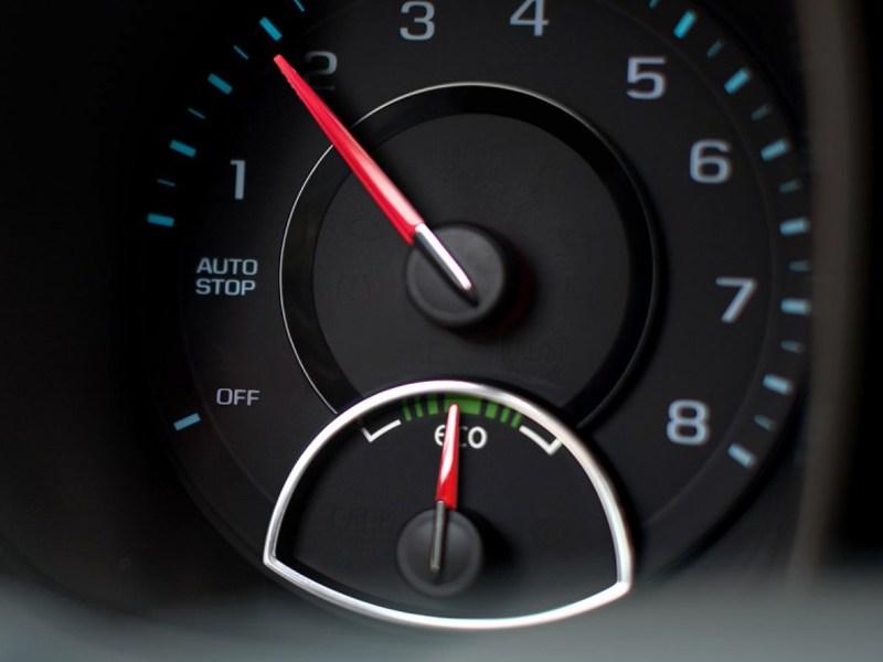 тахометр Chevrolet Malibu 2012