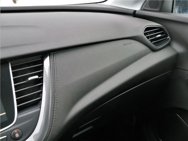 Opel Grandland X 2018 торпедо
