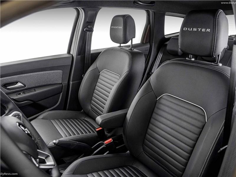 Renault Duster (2021) передние кресла