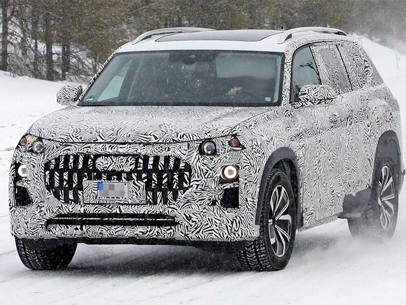 Audi Q9 замечен в снегах