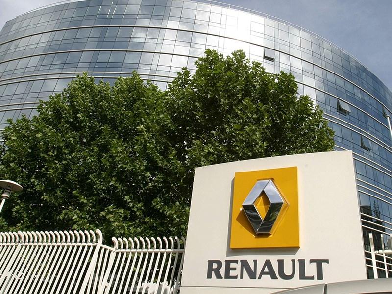 В Renault решили искусственно ограничивать скорость своих автомобилей