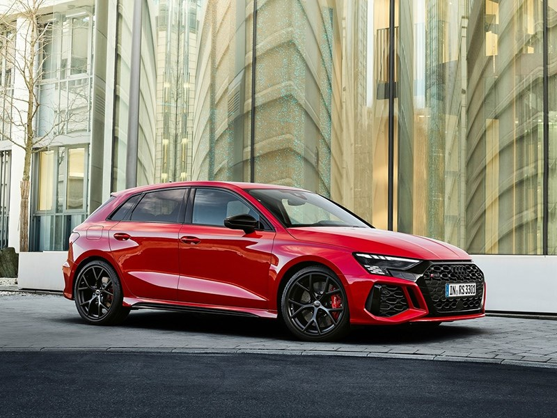 Audi представила новую RS3