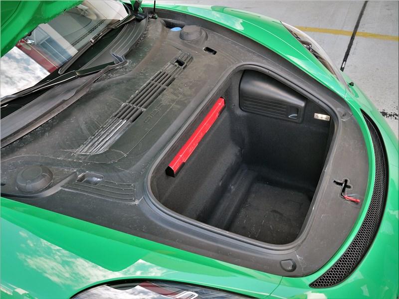 Porsche Cayman GT4 (2020) передний багажник