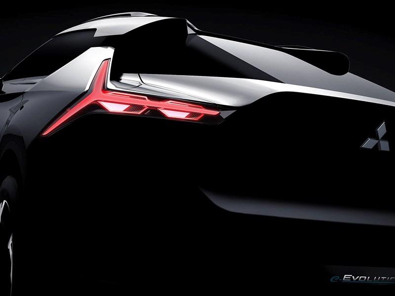 Митсубиши представит новый купеобразный электрокроссовер e-Evolution