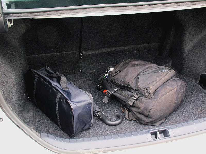 Toyota Corolla 2013 багажное отделение 2