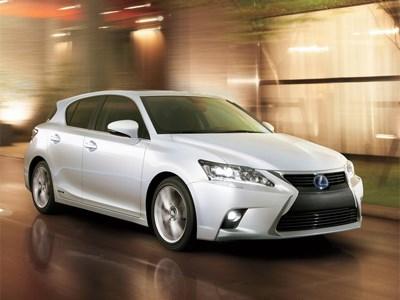 Стали известный рублевые цены на новый Lexus CT 200h