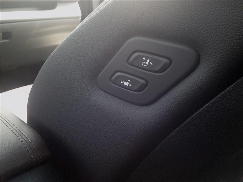 Hyundai Santa Fe 2019 второй ряд