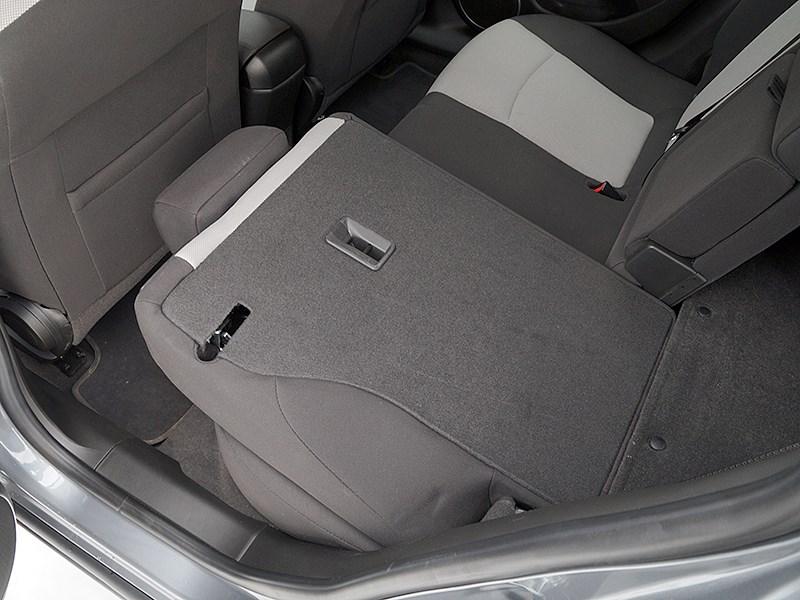 Chevrolet Cruze SW 2013 задний диван