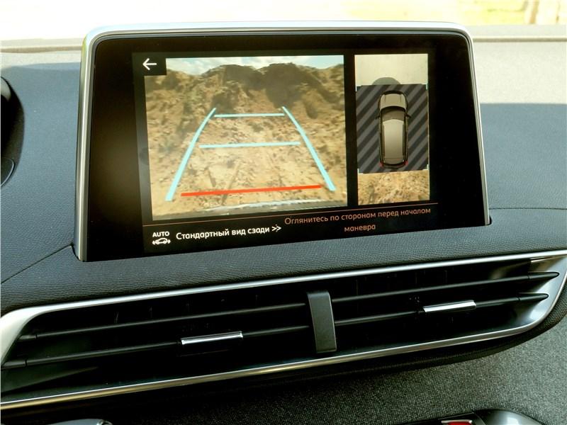 Peugeot 3008 2017 монитор