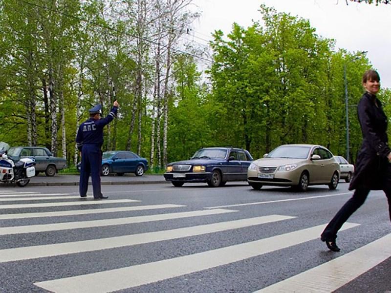 Госдума одобрила повышение штрафов за непропуск пешеходов