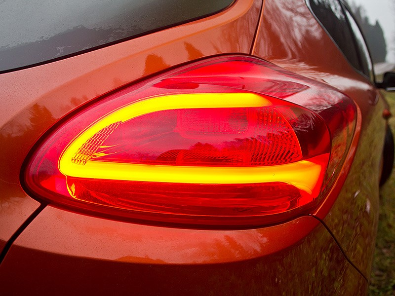 Kia Pro cee'd 2013 3 дв. задний фонарь