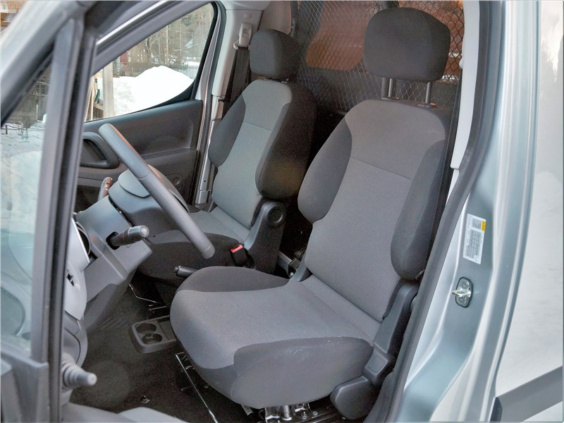 Peugeot Partner Tepee (2016) передние кресла