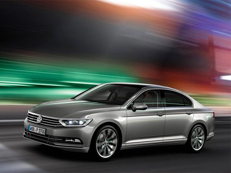 Volkswagen Passat 2015 вид спереди сбоку