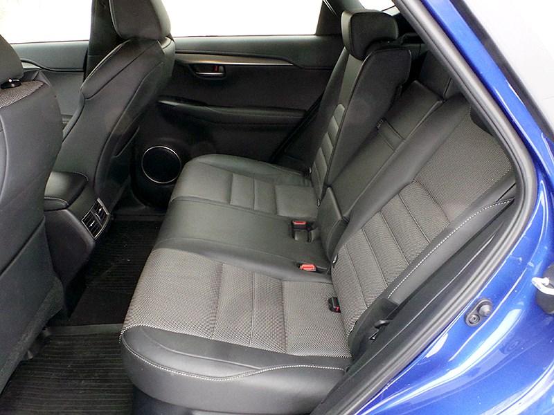 Lexus NX 2014 задний диван