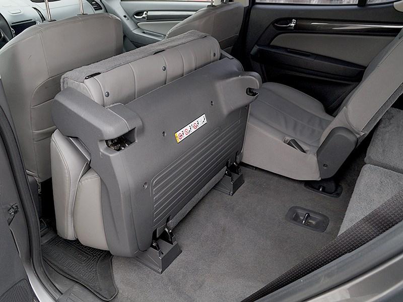 Chevrolet Trailblazer 2012 задний диван