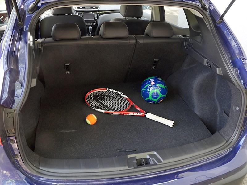 Nissan Qashqai 2014 багажное отделение