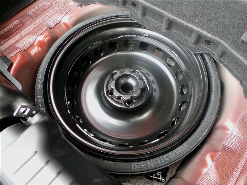 Mercedes-Benz SLC 2017 запасное колесо