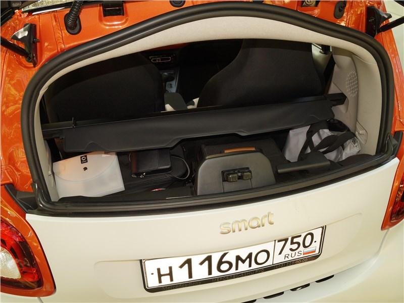 Smart Fortwo 2015 багажный отсек