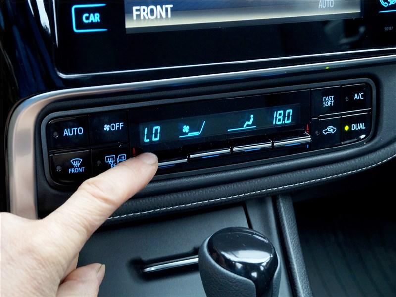 Toyota Corolla 2017 управление климатом