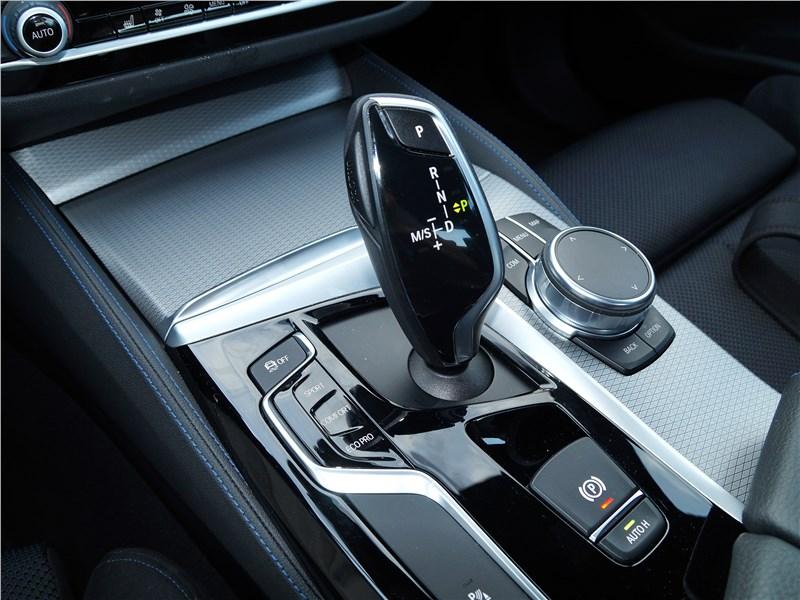BMW 520d 2017 трансмиссионный джойстик