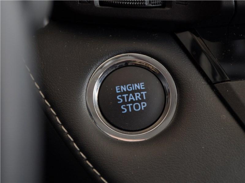 Toyota RAV4 2016 кнопка запуска двигателя