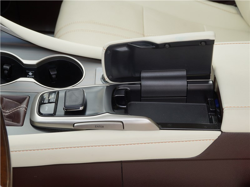 Lexus RX 350L 2018 подушечка-опора