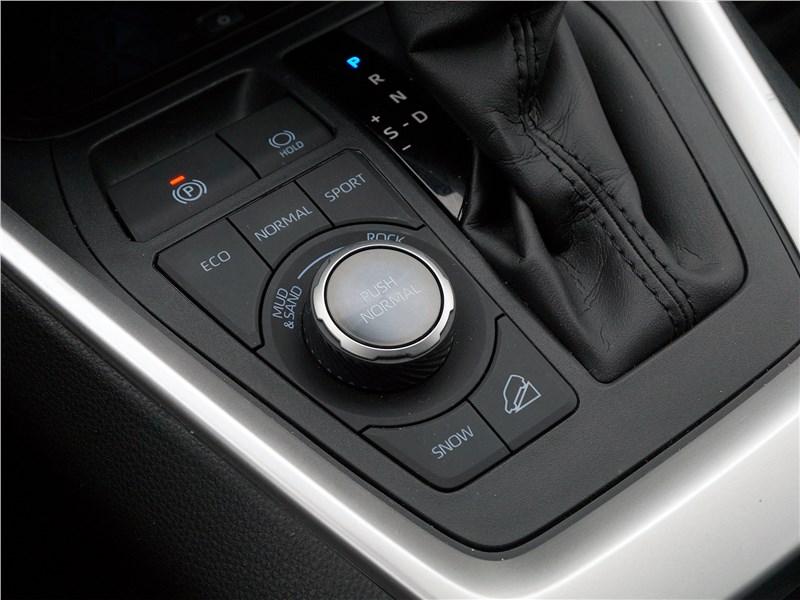 Toyota RAV4 2019 управление режимами движения