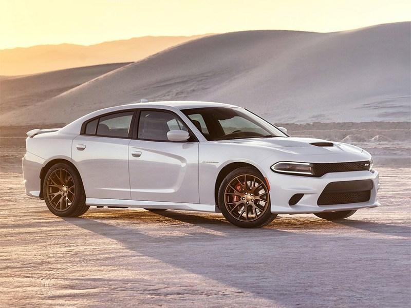 Dodge Charger SRT Hellcat 2015 вид спереди