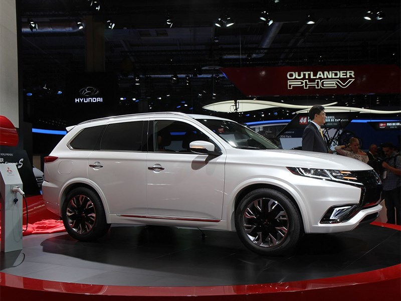 Mitsubishi Outlander PHEV Concept-S 2014 вид сбоку
