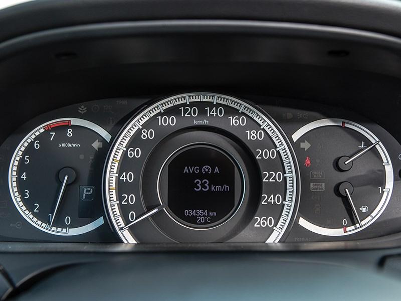 Honda Accord 2013 приборная панель