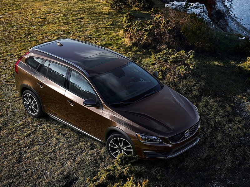Volvo V60 Cross Country 2015 вид сверху