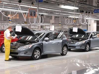 Производство новых машин в Петербурге продолжает сокращаться