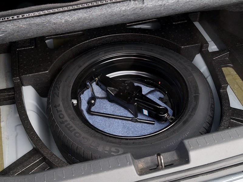 Chery Bonus 3 2014 запасное колесо