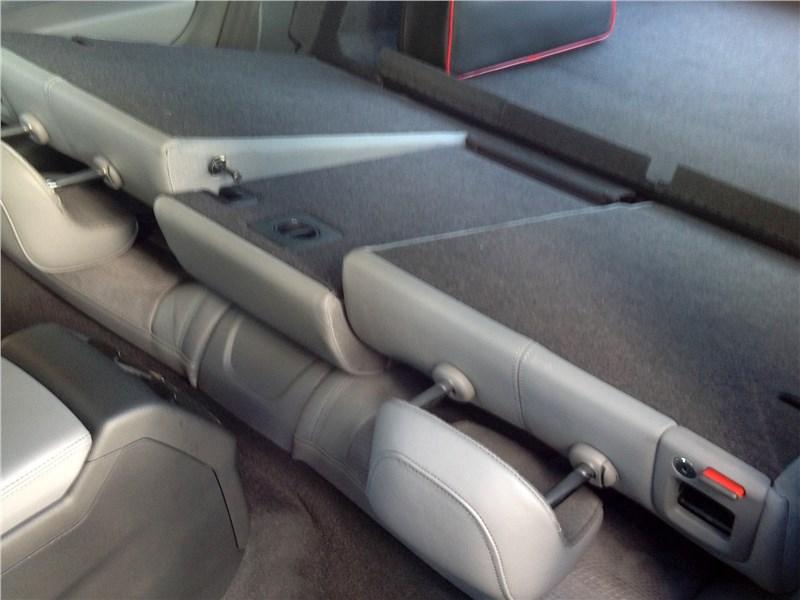 Audi A5 Coupe 2017 спинки задних сидений