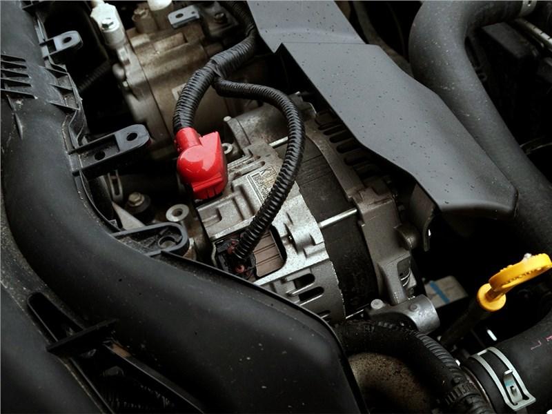 Subaru Outback 2015 моторный отсек