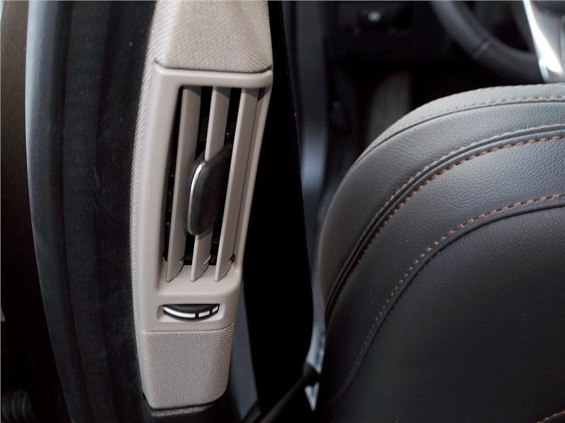 Volvo V60 Cross Country 2015 квоздуховод системы вентиляции и отопления
