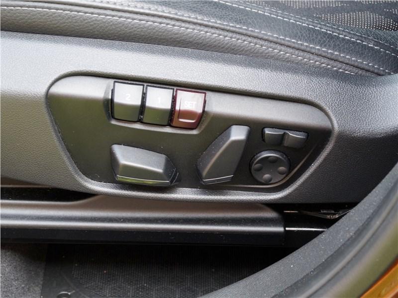 BMW X1 2016 кресло водителя